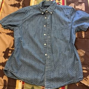 American Eagle Short Sleeve Printed Button Down.
